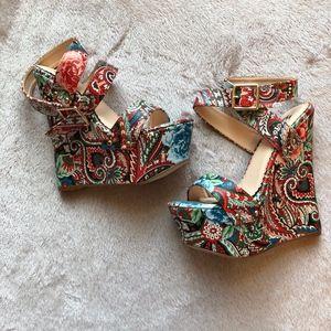 Brand New Shoe Dazzle Paisley Wedges